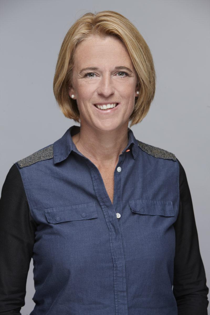 Portretfoto perschef van OranjeLeeuwinnen Anja van Ginhoven
